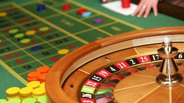 Играть в онлайн казино рулетка бесплатно без регистрации скачать игровые автоматы на андроид