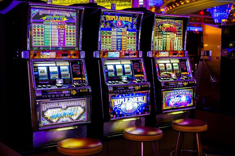 Однорукий бандит на деньги казино икс ком казино
